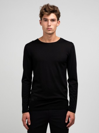 GREATER THAN A - CURVE WOOL TEE LS CREW BLACK