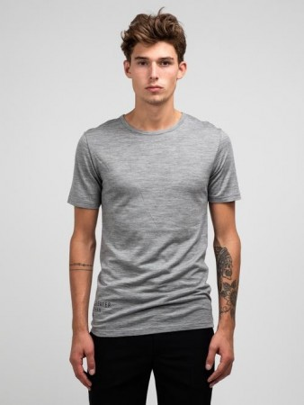 GREATER THAN A - CURVE WOOL TEE CREW GREY MEL